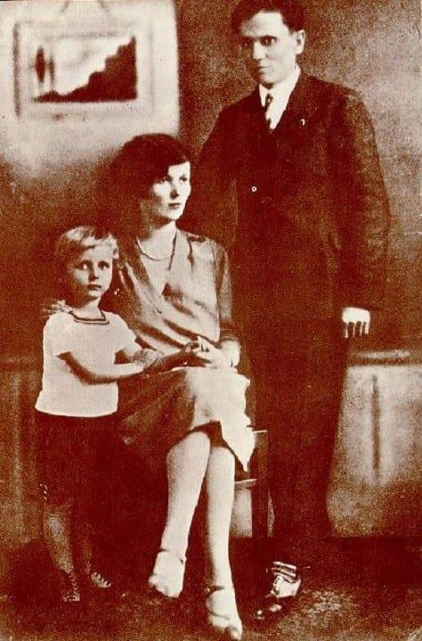 Тито, его жена Пелагия и сын Зарко.