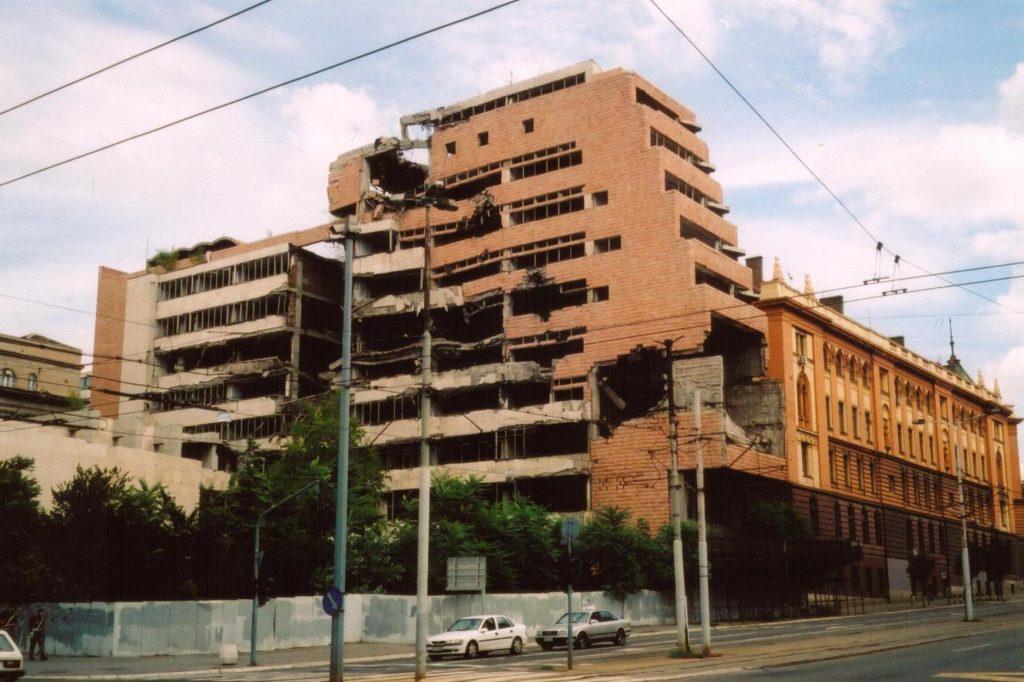 Serb milit bomb nato