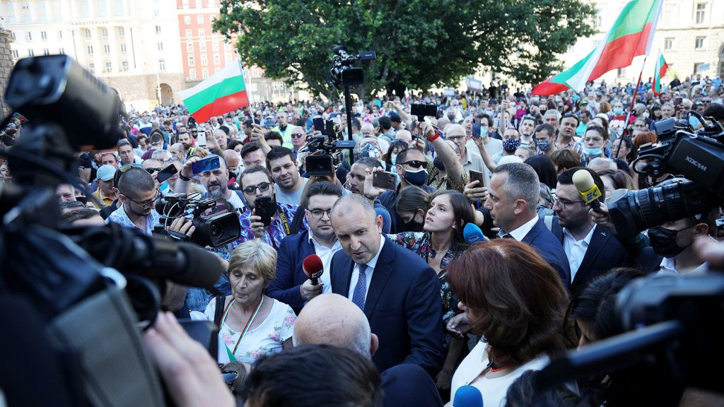 2020 07 09T191154Z 1769419246 RC2VPH9GCU82 RTRMADP 3 BULGARIA PROTESTS JUSTICE pic4 zoom 1500x1500 40514