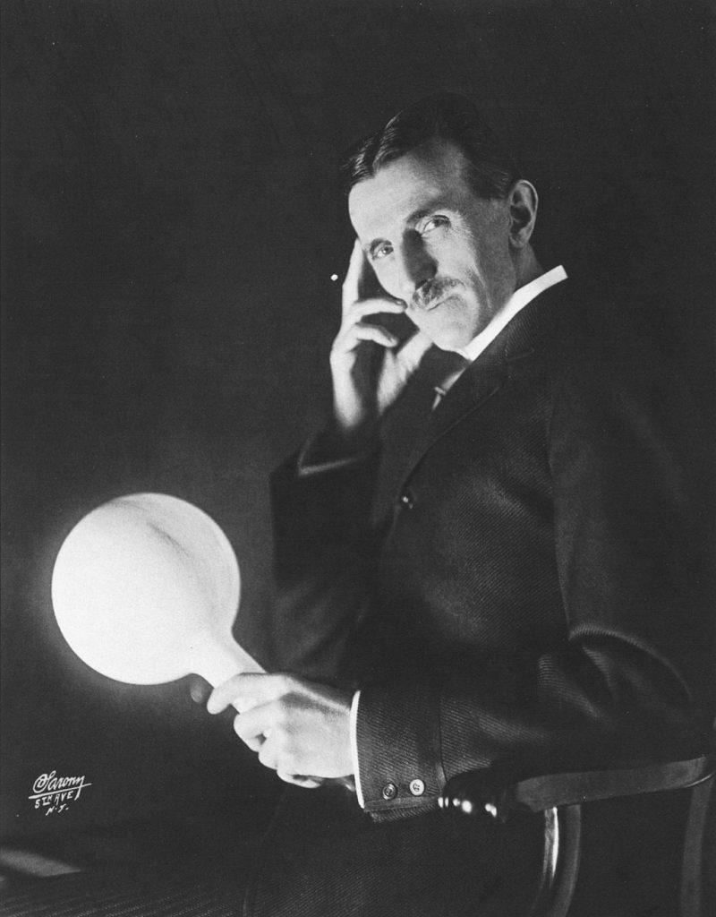 1024px Nikola Tesla by Sarony c1898