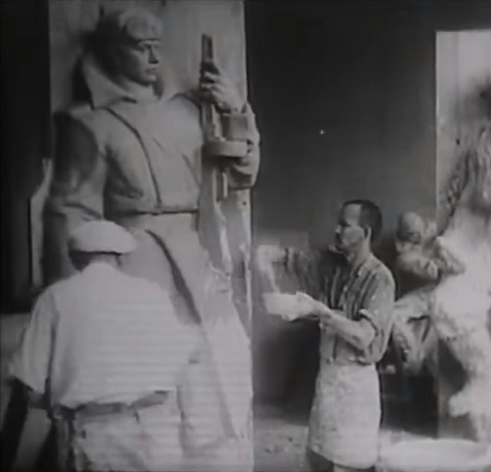 rabota nad pamyatnikom v Batinoj skele kadr iz filma