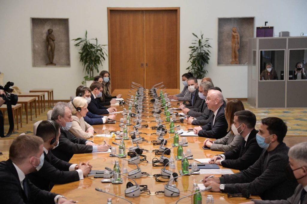 Ministar Popovic sa delegacijom RF povodom proizvodnje vakcine Sputnjik V u Srbiji 1102 2021 2