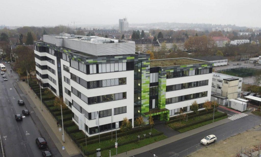 6. SHtab kvartira BioNTech v Majntse Germaniya telegraph.co .uk